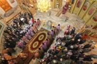 В Неделю 5-ю Великого поста архиепископ Орловский и Болховский Тихон совершил литургию в Успенском (Михаило-Архангельском) соборе Орла. 14 апреля 2019 г.