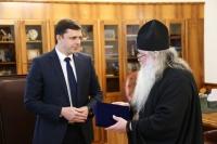 Архиепископ Орловский и Болховский Тихон встретился с губернатором Орловской области Андреем Клычковым. 17 апреля 2019 г.