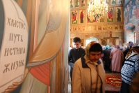 В субботу Светлой седмицы митрополит Орловский и Болховский Тихон совершил литургию в Свято-Троицком храме Мценска. 4 мая 2019 г.