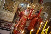 В Неделю 2-ю по Пасхе митрополит Орловский и Болховский Тихон совершил литургию вхраме иконы Божией Матери «Знамение» Курская-Коренная города Орла. 5 мая 2019 г.