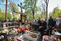 В день памяти блаженного Афанасия Андреевича Сайко митрополит Орловский и Болховский Тихон совершил литию на могиле подвижника. 5 мая 2019 г.