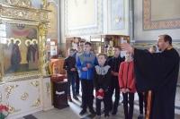 В храме Смоленской иконы Божией Матери также состоялась просветительская экскурсия для читателей городской детской библиотеки имени И.А. Крылова. 29 апреля 2019 г.