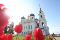 Митрополит Орловский и Болховский Тихон совершил литургию в Спасо-Преображенском соборе Болхова. 3 мая 2019 г.