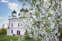 Митрополит Орловский и Болховский Тихон посетил Троицкий Рождества Богородицы Оптин женский монастырь в Болхове. 3 мая 2019 г.