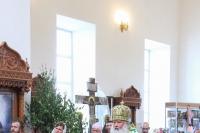 В День Святого Духа митрополит Орловский и Болховский Тихон совершил Божественную литургию в Свято-Троицком храме села Шахово Кромского района. 17 июня 2019 г.