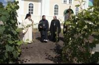 В праздник Преображения Господня архиепископ Орловский и Ливенский Антоний совершил литургию в Преображенском храме с. Лаврово. 19 августа 2013 г.