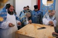 Архиепископ Антоний совершил Чин великого освящения Казанского храма в деревне Яковлево Свердловского района. 7 апреля 2013 г.