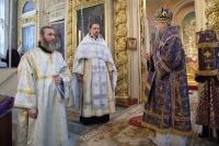 В Неделю 4-ю Великого Поста Высокопреосвященнейший архиепископ Орловский и Ливенский Антоний совершил Божественную литургию в Ахтырском кафедральном соборе Орла Орла. 14 апреля 2013 г.