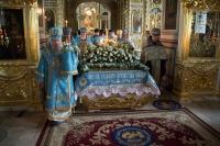 Митрополит Орловский и Болховский Антоний совершил утреню с чином Погребения Пресвятой Богородицы в Ахтырском кафедральном соборе Орла. 29 августва 2014 г.