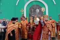 В день памяти блаженой Матроны Московской архиепископ Орловский и Ливенский Антоний совершил литургию в храме святой блаженой Матроны Московской в Северном районе. 2 мая 2014 г.