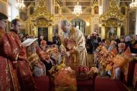 Митрополит Орловский и Болховский Антоний возглавил богослужения Великого Четверга и Чин омовения ног в Ахтырском кафедральном соборе Орла. 9 апреля 2015 г.
