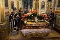 Митрополит Орловский и Болховский Антоний совершил богослужения Великой Пятницы и Великой Субботы в Ахтырском кафедральном соборе Орла. 10-11 апреля 2015 г.