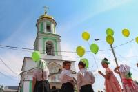 7 июня, в канун праздника Пятидесятницы, архиепископ Орловский и Ливенский Антоний совершил всенощное бдение в Богоявленском соборе. Утром 8 июня Владыка совершил литургию в Свято-Троицком храме г. Орла. 8 июня 2014 г.