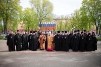 Митрополит Орловский и Болховский Антоний и духовенство Орловско-Болховской епархии приняли участие в городском митинге, посвященном 70-й годовщине Великой Победы, прошедшем в сквере Танкистов. 8 мая 2015 г.