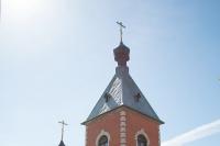 В праздник Вознесения Господня митрополит Орловский и Болховский Антоний совершил Божественную литургию в Казанском храме поселка Нарышкино. 21 мая 2015 г.