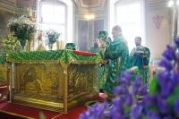 В праздник Святой Троицы (Пятидесятницы) митрополит Орловский и Болховский Антоний совершил Литургию в Ахтырском кафедральном соборе Орла. 4 июня 2017 г.