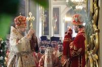 В день памяти своих небесных покровителей, Виленских мучеников Антония, Иоанна и Евстафия, митрополит Орловский и Болховский Антоний возглавил литургию в Ахтырском соборе Орла. 2 мая 2016 г.