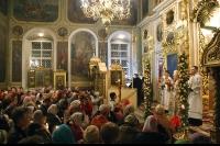 В праздник Воскресения Христова архиепископ Антоний возглавил пасхальное богослужение в Ахтырском кафедральном соборе. 15 апреля 2012 г.