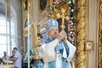 Архиепископ Антоний совершил Божественную литургию в Ахтырском кафедральном соборе в день его престольного праздника. 15 июля 2012 г.