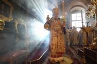 За литургией в Ахтырском соборе паства поздравила митрополита Орловского и Болховского Антония с 79-летием. 17 ноября 2018 г.