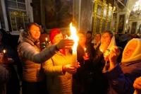 В ночь с 7 на 8 апреля 2018 года в Ахтырском кафедральном соборе Орла митрополит Орловский и Болховский Антоний совершил Пасхальные богослужения — полунощницу, крестный ход, Пасхальную заутреню и Божественную литургию свт. Иоанна Златоуста