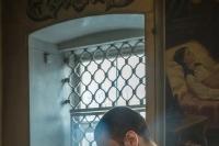 В Неделю 24-ю по Пятидесятнице митрополит Орловский и Болховский Тихон совершил литургию в Свято-Троицком храме Орла. Фото Андрея Логвинова. 1 декабря 2019 г.