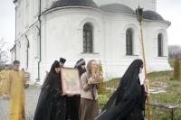 В Троицком Оптином Рождества Богородицы женском монастыре на единственном в Орловской области престоле во имя святого Лазаря после 97-летнего перерыва совершена Литургия. 11 апреля 2020 г.
