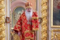 В день памяти апостола Иоанна Богослова митрополит Орловский и Болховский Тихон совершил Литургию в Ахтырском кафедральном соборе Орла. 21 мая 2020 г.