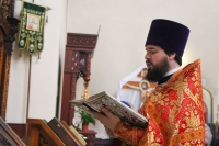 В день памяти св. Матроны Московской митрополит Орловский и Болховский Тихон совершил Литургию в храме св. Матроны Московской города Орла. 2 мая 2020 г.