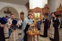В канун празднования Иверской иконе Божией Матери митрополит Орловский и Болховский Тихон совершил всенощное бдение в Иверском храме города Орла. 25 октября 2020 г.м