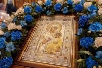 В канун празднования Иверской иконе Божией Матери митрополит Орловский и Болховский Тихон совершил всенощное бдение в Иверском храме города Орла. 25 октября 2020 г.