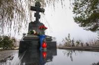 В день памяти прп. Паисия Величковского на могиле архиепископа Орловского и Ливенского Паисия (Самчука) в Свято-Успенском мужском монастыре Орла совершена соборная панихида. 27 ноября 2020 г.