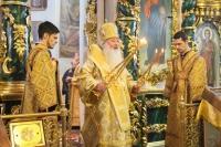 В день памяти святителя Николая Мирликийского митрополит Орловский и Болховский Тихон совершил Божественную литургию в Николо-Песковском храме Орла. 19 декабря 2020 г.