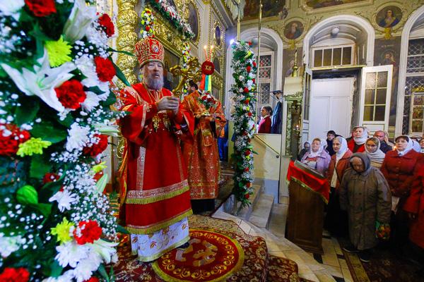 Орловская митрополия отмечает праздник Светлого Христова Воскресения