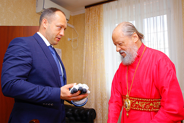 Митрополит Антоний встретился с космонавтом-испытателем Александром Мисуркиным