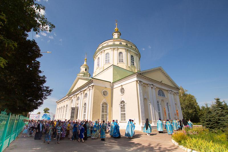 В день Успения Пресвятой Богородицы Архипастыри совершили литургию в Успенском соборе Орла