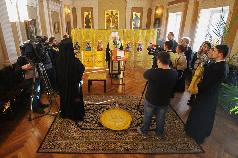 Митрополит Антоний освятил походный иконостас для подводного крейсера «Орёл»