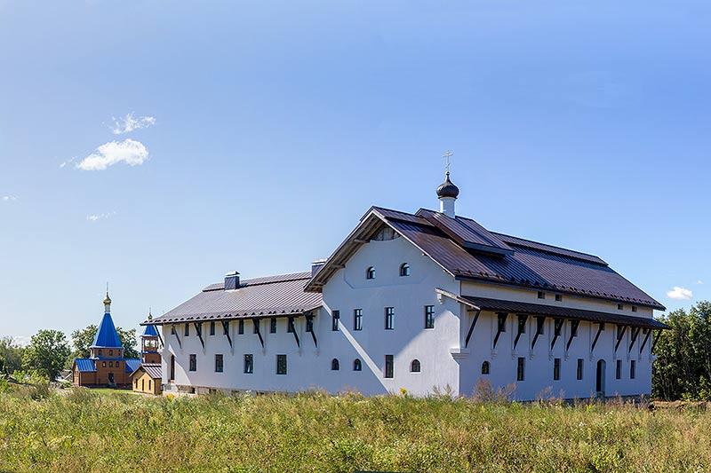 Женский монастырь святого апостола и евангелиста Иоанна Богослова в с. Корсунь