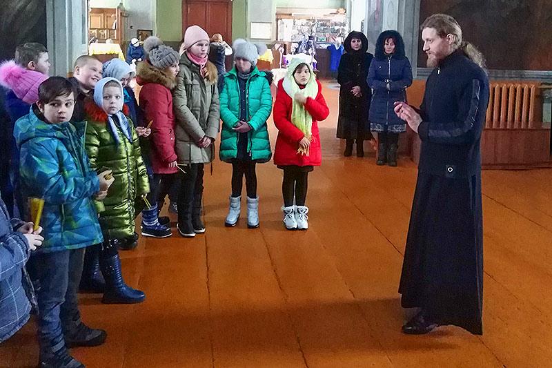 Для кромских школьников провели экскурсию по православному храму