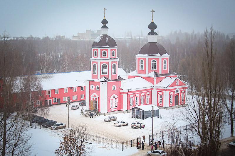 Архипастыри совершили литургию в ливенском Георгиевском храме