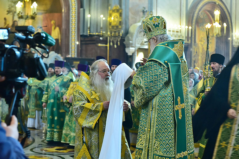 Святейший Патриарх возвел архиепископа Орловского и Болховского Тихона в сан митрополита