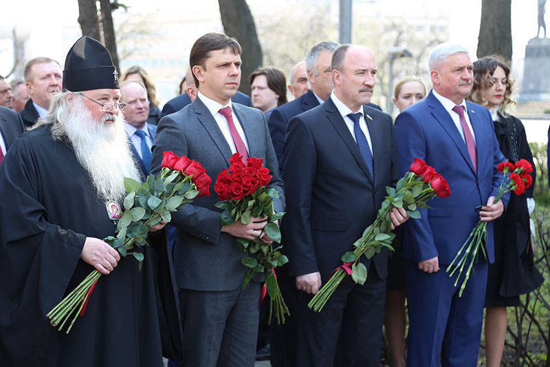 Архипастырь поздравил региональных парламентариев с 25-летием Орловского областного Совета народных депутатов