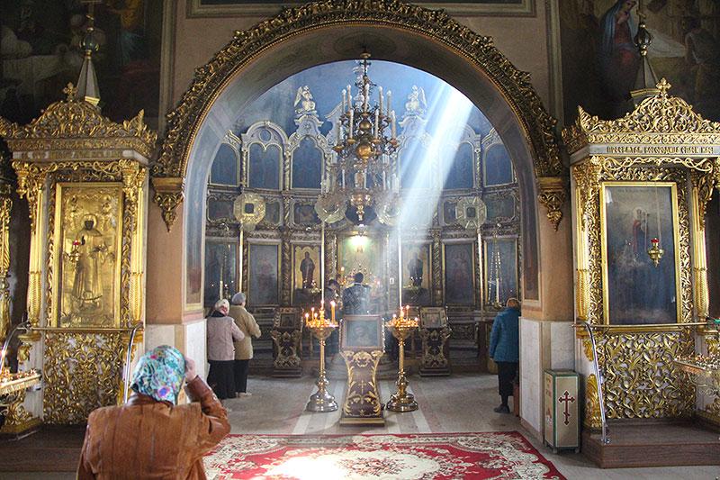 Владыка Тихон совершил богослужения первой половины Страстной Седмицы