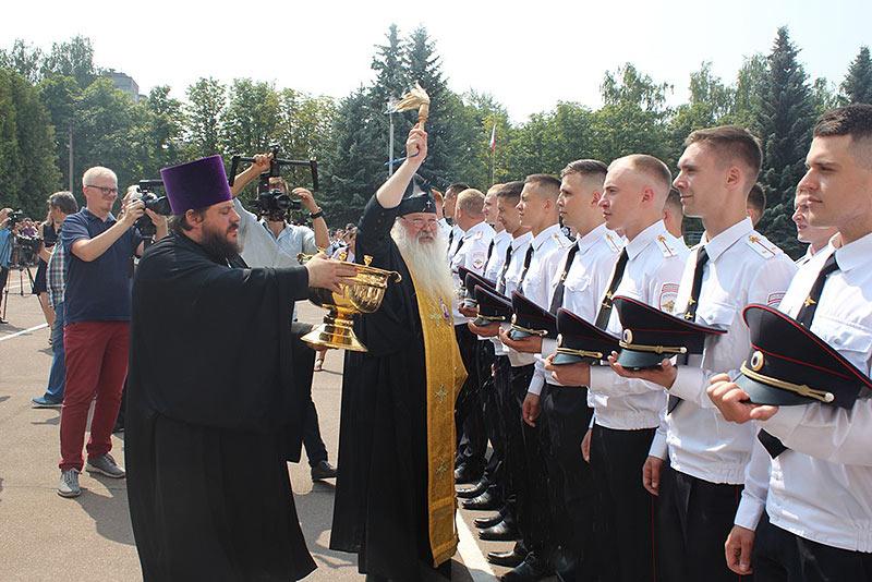 Владыка Тихон напутствовал выпускников Орловского юридического института МВД