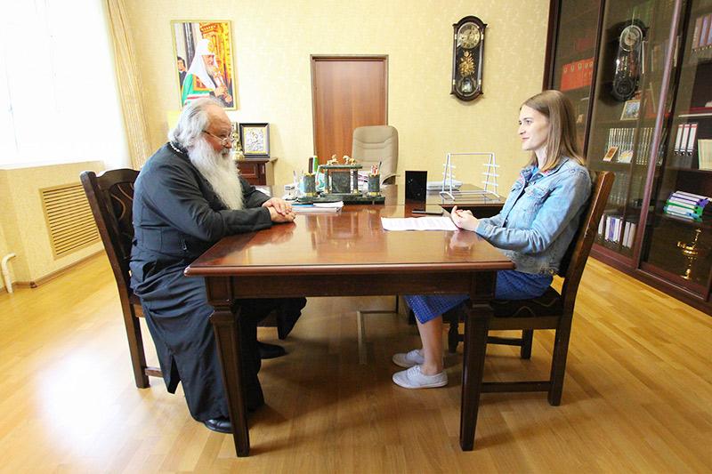 Митрополит Тихон ответил на вопросы читателей городского портала vOrle