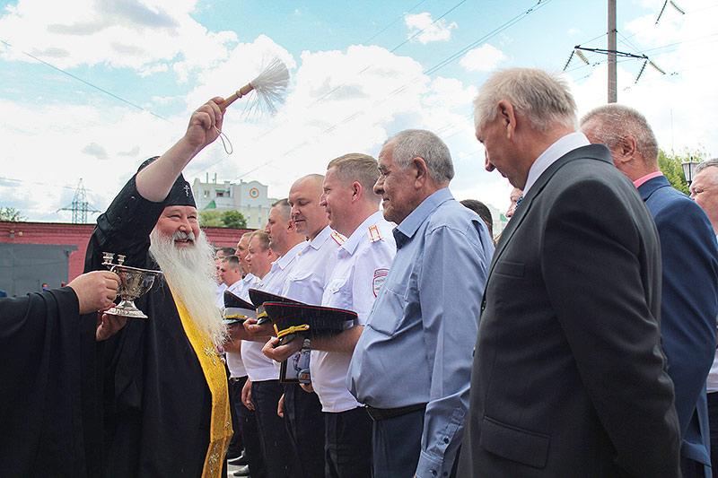 Владыка Тихон поздравил сотрудников ГИБДД с профессиональным праздником