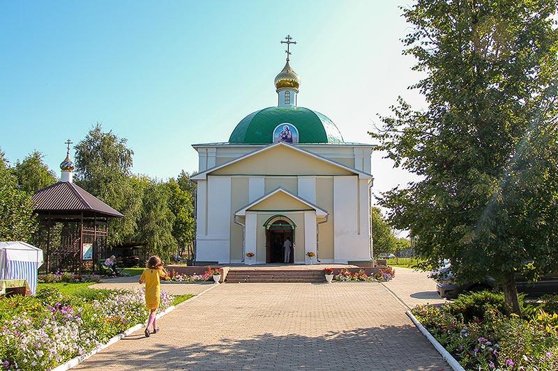Архипастырь поздравил приход Лавровского храма с его 145-летием