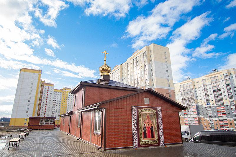 Накануне дня памяти святителя Григория Паламы митрополит Тихон совершил богослужение в храме мучениц Веры, Надежды, Любови и матери их Софии