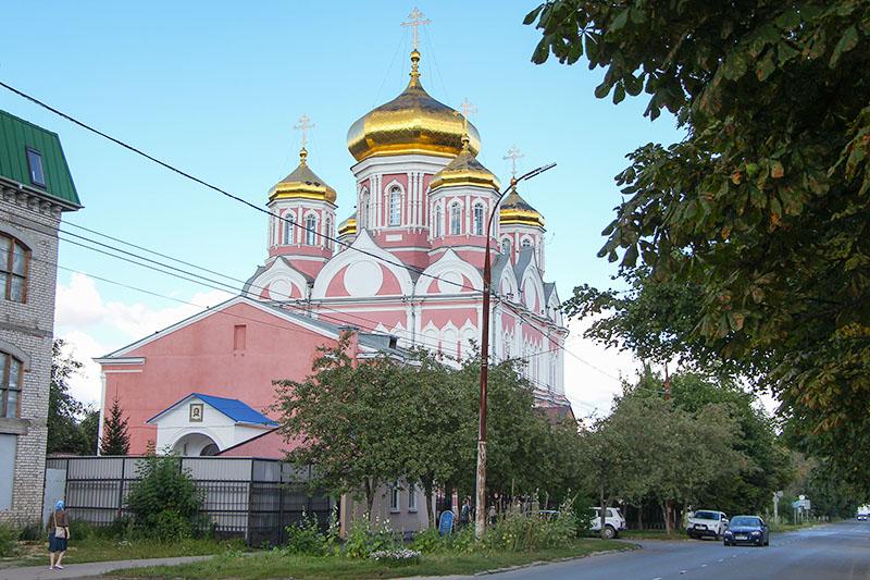 Смоленский храм Орла отмечает престольный праздник