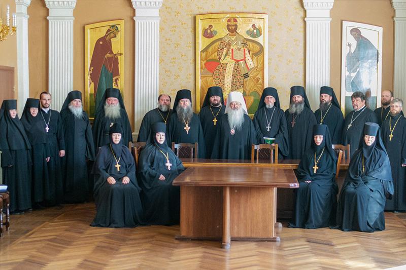 Члены Межведомственной комиссии по вопросам образования монашествующих посетили Орловскую митрополию